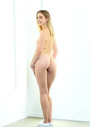 Chloe Cherry